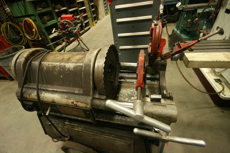 "Ridgid Model 1224 Pipe Threader, 1/4"" - 4"" Capacity"