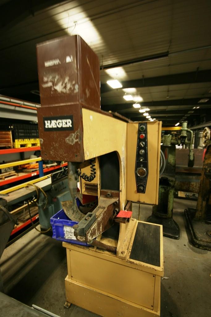 Haeger Insertion Press
