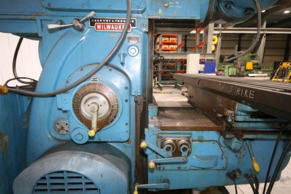 "Kearney & Trecker Model 430TF-17 Horizontal Mill, 80"" x 17"" Table"