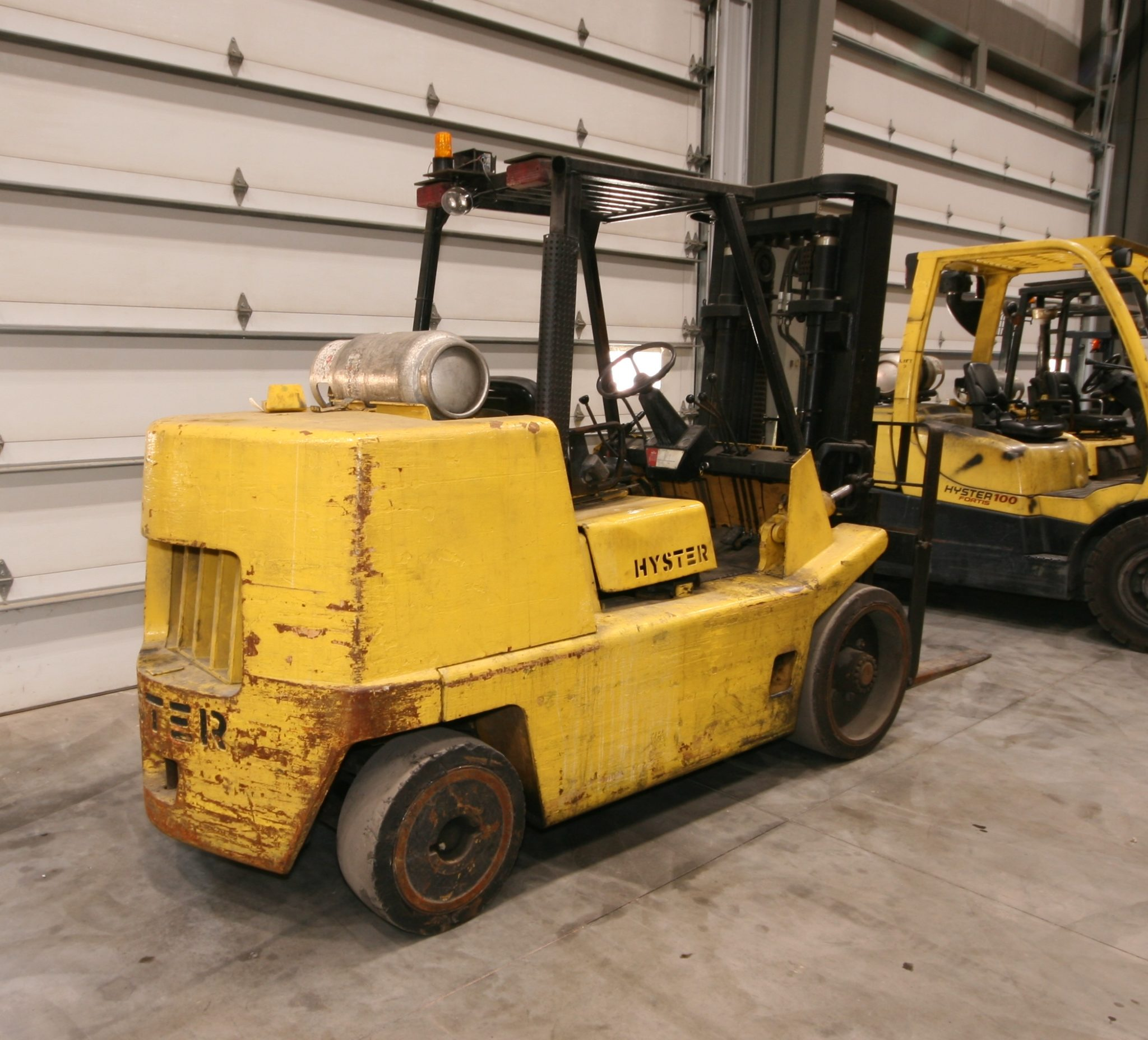 Hyster 15,000 lbs. Capacity Forklift ...